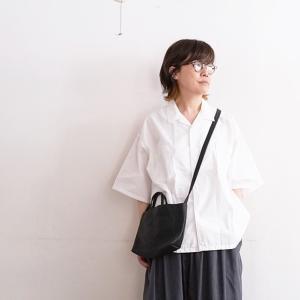 無印良品 MUJI Laboの開襟白シャツが今年もやっぱりいい感じ。