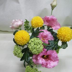 ふーさんがお花を生けるときにのお助けアイテムご紹介します!