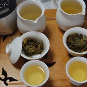 日記 二種類の雲南白茶を飲む