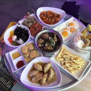 韓国で密かにブーム⁉︎10,000wでテーブルいっぱいのおつまみが食べれる居酒屋