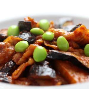 夏旬の枝豆を使った豚肉と茄子のピリ辛ケチャップ炒めレシピ♪