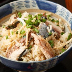 秋刀魚レシピ!秋刀魚の炊き込み混ぜごはん