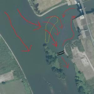 坂川放水路水門の複雑な流れ 2