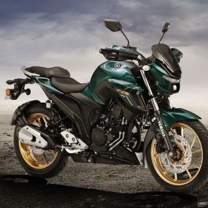 補修用の純正パーツが入荷しないので、今欲しいバイクを並べて眺める
