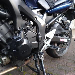 【FZ6】こかしてガリガリのエンジンカバー修復に挑戦!