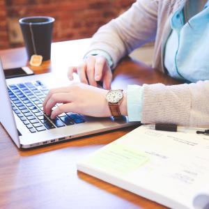 文章を書くのが苦手な あなたに贈る 文章レベルを急上昇させる 6つのポイント!!