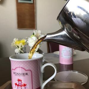 フランス老舗『FOSSIER』のマグカップで紅茶