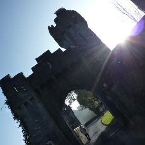 アイルランドがロケ地だった、キラキラ歴史ドラマ@アッシュフォード城
