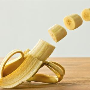 バナナでリラックス効果!?自律神経が乱れがちな秋。バナナを常備するべし~!