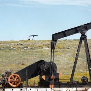 米原油在庫減少 本日のOPEC+会合に注目