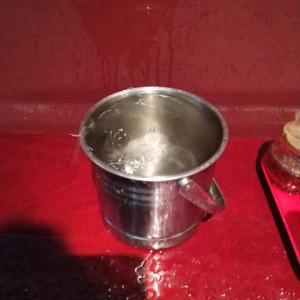 【悲報】おでん屋のエアコンから水が止まらない【ナイアガラBST】