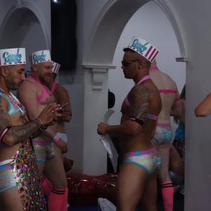世界最大LGBTのお祭り、マルディグラフェスティバル。えみこ旅AUS編#7