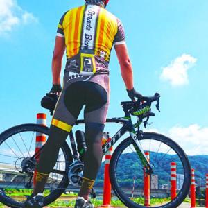 ワールドサイクルさんで購入 『かわうその自転車屋さん メンズ イエロー ビブレーシングパンツ』