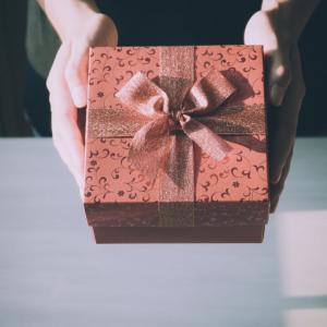 海外に贈り物!
