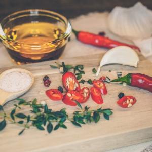 唐辛子とスパイスがたまらなくおいしい!地中海マルタでも定番やみつき万能調味料HARISSA-ハリッサ-の作り方教えます♡