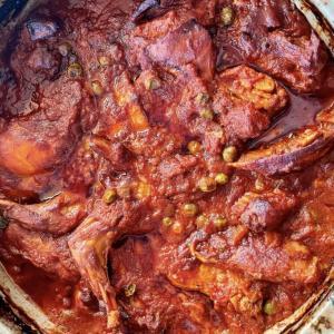 絶景の島国マルタの有名料理!うさぎ料理「Fenkata(フェンカータ)」をマルタっこと一緒に再現してみたら絶品だった。