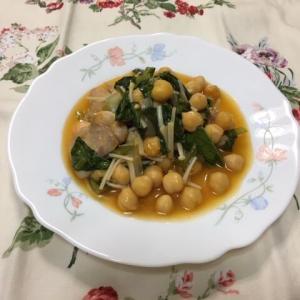 鶏と豆の煮込み