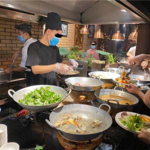 Sen Tay Hoでベトナム料理ビュッフェ@ハノイ