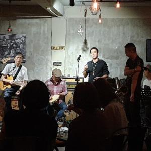 【B】台北の一押しライブハウスバー「Rev-Now Live Music House」@信義安和