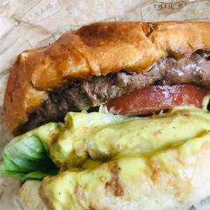 MAX'S DINER のハンバーガーをテイクアウト
