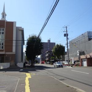 モルモン教会が工事に囲まれる