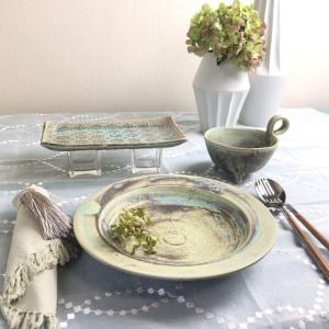 女性窯元が作る風合いのあるスープ皿