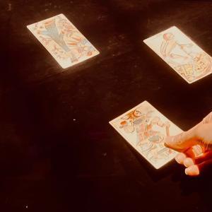 朝ドラ「エール」にマルセイユタロットの絵柄が!