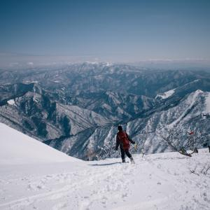 雪の谷川岳登山