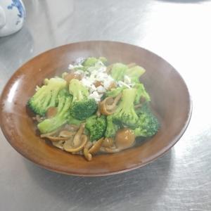 冷凍ブロッコリーの乾煎り