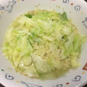 夜はよく食べるサッポロ一番塩ラーメン