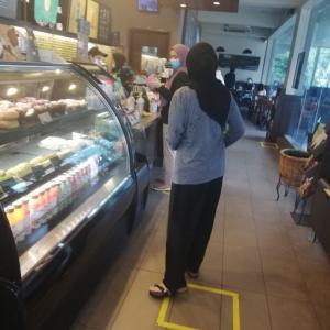 久しぶりにスタバ店内へ♪〜マレーシア クアラルンプール