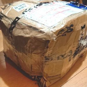 衝撃!かなりダメージを受けて日本に届いた荷物♪〜マレーシアから日本に荷物を送った結果