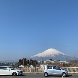 雪富士が見える御殿場プレミアム・アウトレットに着きました