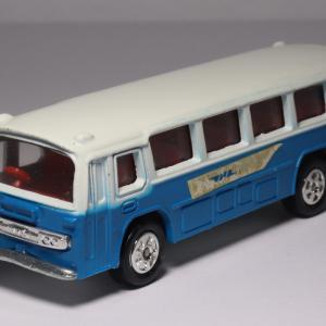 国鉄専用型式の青いつばめ「ふそう東名高速バス」