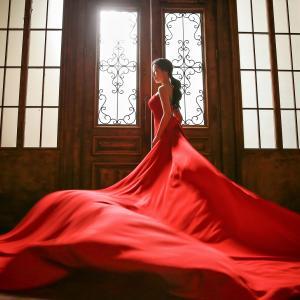 赤のドレスは正解だった。