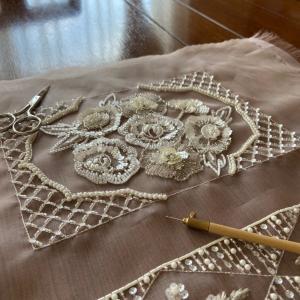 やっと完成、キラキラオートクチュール刺繍