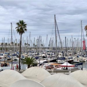 【バルセロナ】港側のレストランToccaとホテルArtsの
