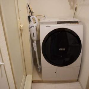 洗濯機下の埃や汚れ問題はこれで解決!掃除要らずで収納スペースにも活用できる!?