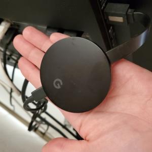 【おうち時間の運動】親子で楽しく運動不足を解消する方法は?Chromecastを使ってYouTubeをテレビ再生♪