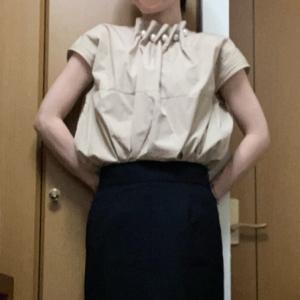 ☆スタイルアップ!苦手な黒タイトスカートで秋コーデ☆