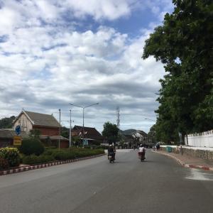 ラオス ルアンパバーンの旅 ホテルの自転車で行けるところまで