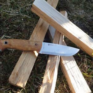 【旅のお供にはどんなナイフを?】Helle Utvaer とその他ナイフの紹介