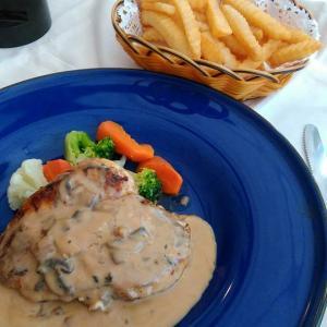 タイ  パタヤ滞在  昼めしは、フランス料理 ランチセット 1000円位