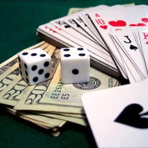 カジノ ギャンブルの事  稼せげるのは、ポーカーゲームだけ  海外で出会った、こぼれ話