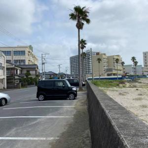 昨日の海岸風景 コロナ禍なので、今年は海の家はなし  来月、大阪へ行く予定、緊急事態宣言が再発で今年最後になるかもね