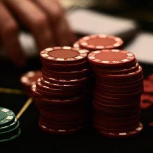 2017年9月頃の話 海外旅行中のこぼれ話 プロギャンブラー ポーカーの話 10年以上ポーカーで稼いでいるそうです