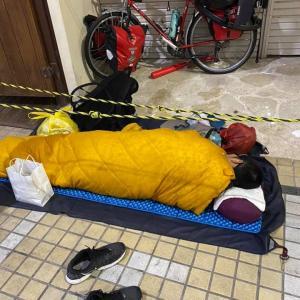 沖縄 那覇市 国際通りに居た、実態はホームレス? 日本一周の自転車野郎!