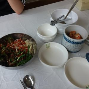 韓国式ブランチは洗面器