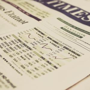 メール登録するだけ!役立つ株式投資情報が0円!【無料】