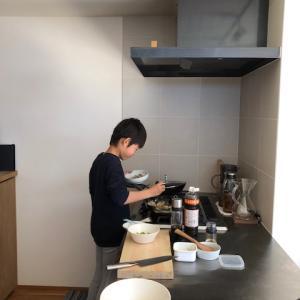 小学生男子の料理